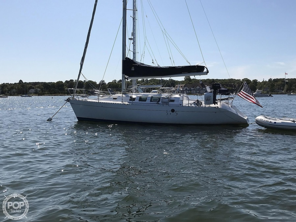1989 Beneteau boat for sale, model of the boat is First 35s5 & Image # 10 of 40