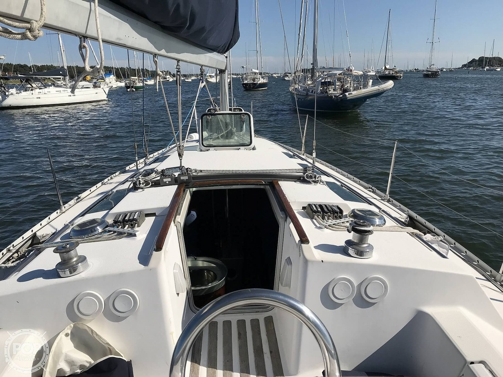 1989 Beneteau boat for sale, model of the boat is First 35s5 & Image # 12 of 40