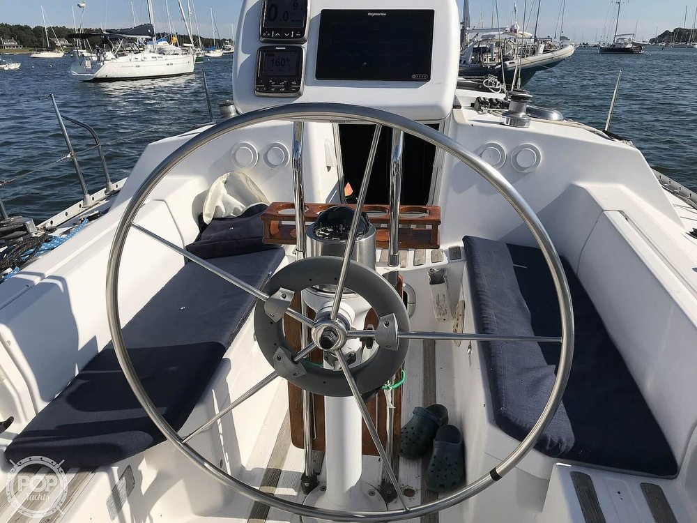 1989 Beneteau boat for sale, model of the boat is First 35s5 & Image # 13 of 40