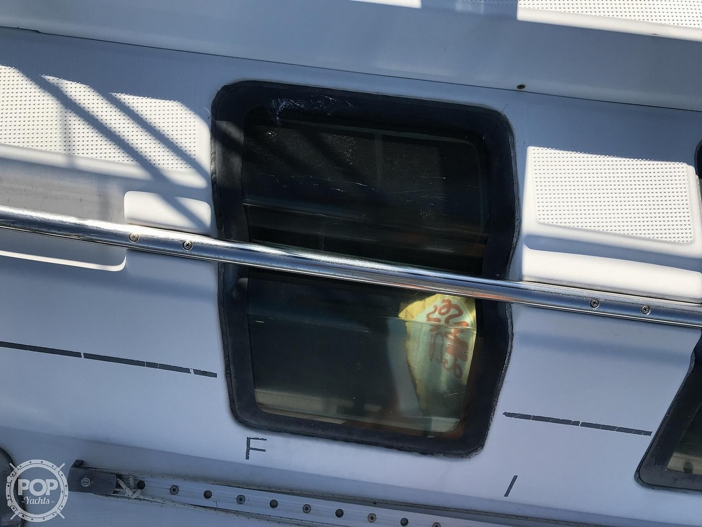 1989 Beneteau boat for sale, model of the boat is First 35s5 & Image # 24 of 40