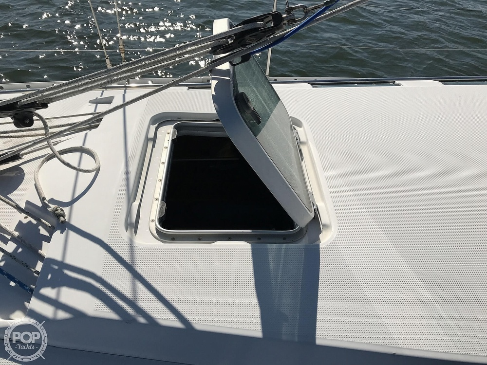 1989 Beneteau boat for sale, model of the boat is First 35s5 & Image # 25 of 40