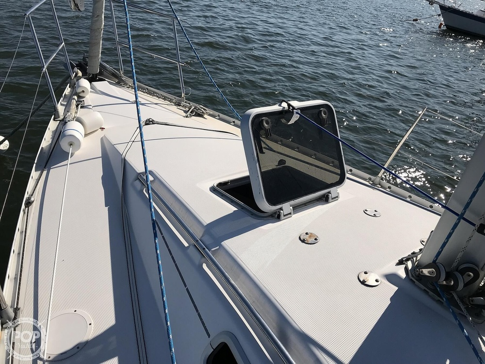 1989 Beneteau boat for sale, model of the boat is First 35s5 & Image # 26 of 40