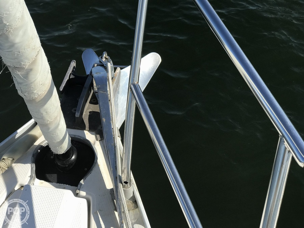 1989 Beneteau boat for sale, model of the boat is First 35s5 & Image # 27 of 40
