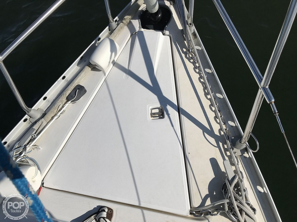 1989 Beneteau boat for sale, model of the boat is First 35s5 & Image # 28 of 40