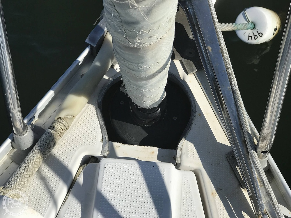 1989 Beneteau boat for sale, model of the boat is First 35s5 & Image # 30 of 40