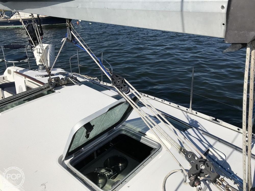 1989 Beneteau boat for sale, model of the boat is First 35s5 & Image # 33 of 40