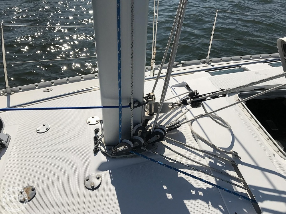 1989 Beneteau boat for sale, model of the boat is First 35s5 & Image # 36 of 40