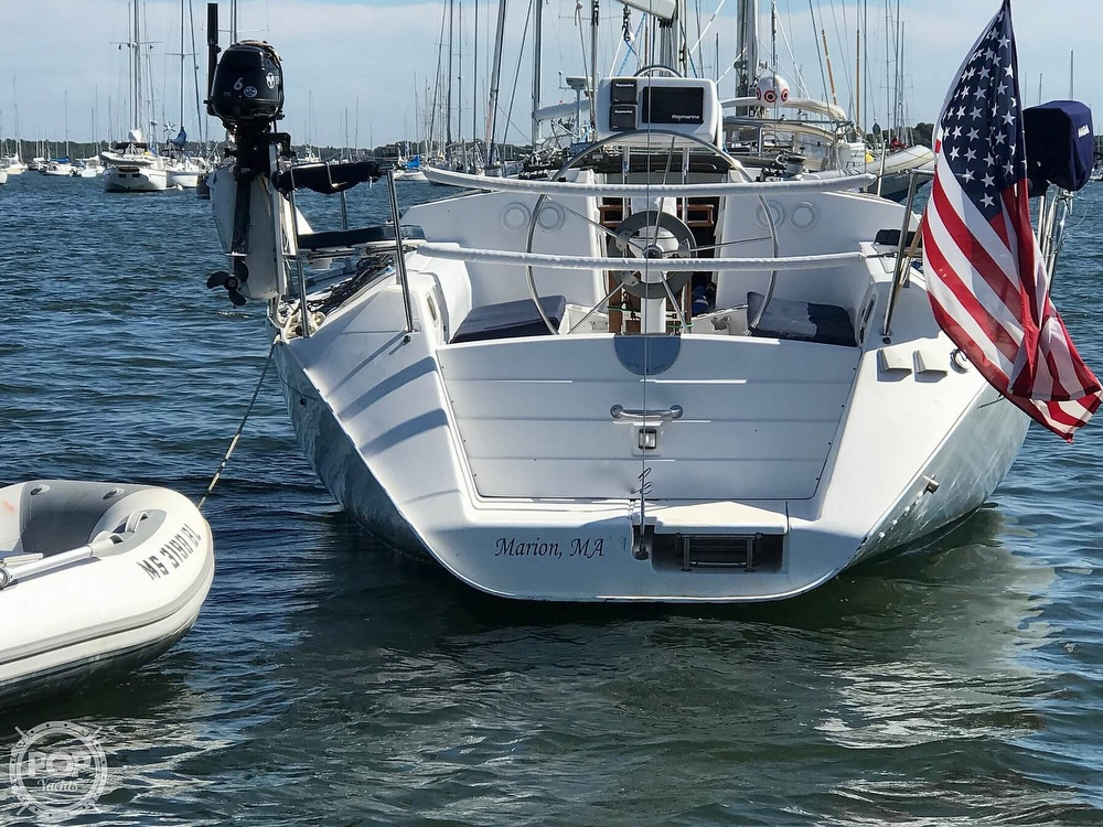 1989 Beneteau boat for sale, model of the boat is First 35s5 & Image # 4 of 40