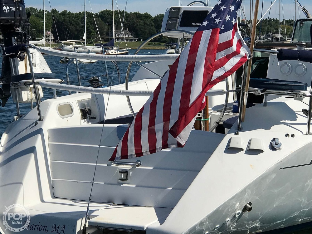 1989 Beneteau boat for sale, model of the boat is First 35s5 & Image # 5 of 40
