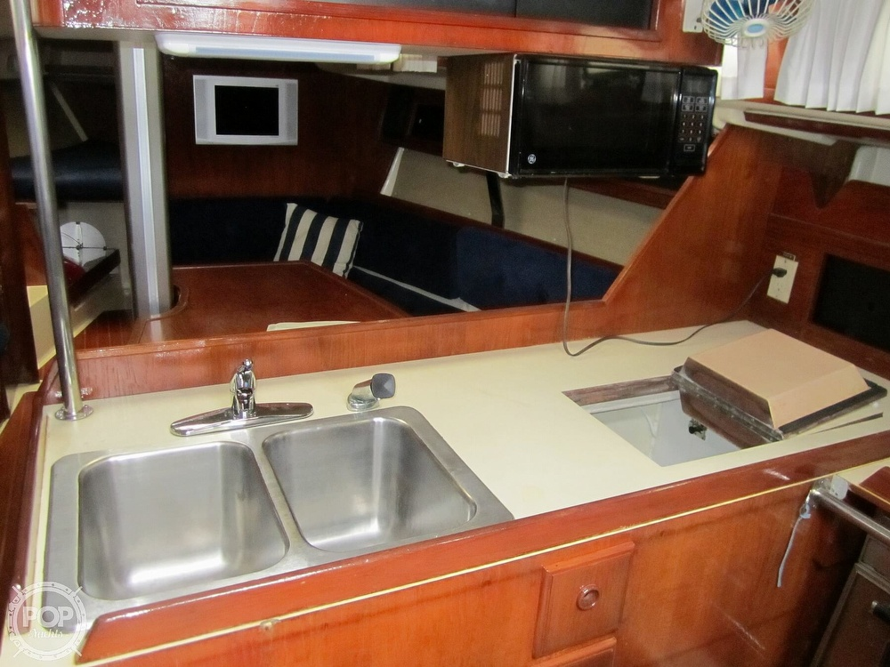 1986 Pearson boat for sale, model of the boat is 36-2 & Image # 4 of 40