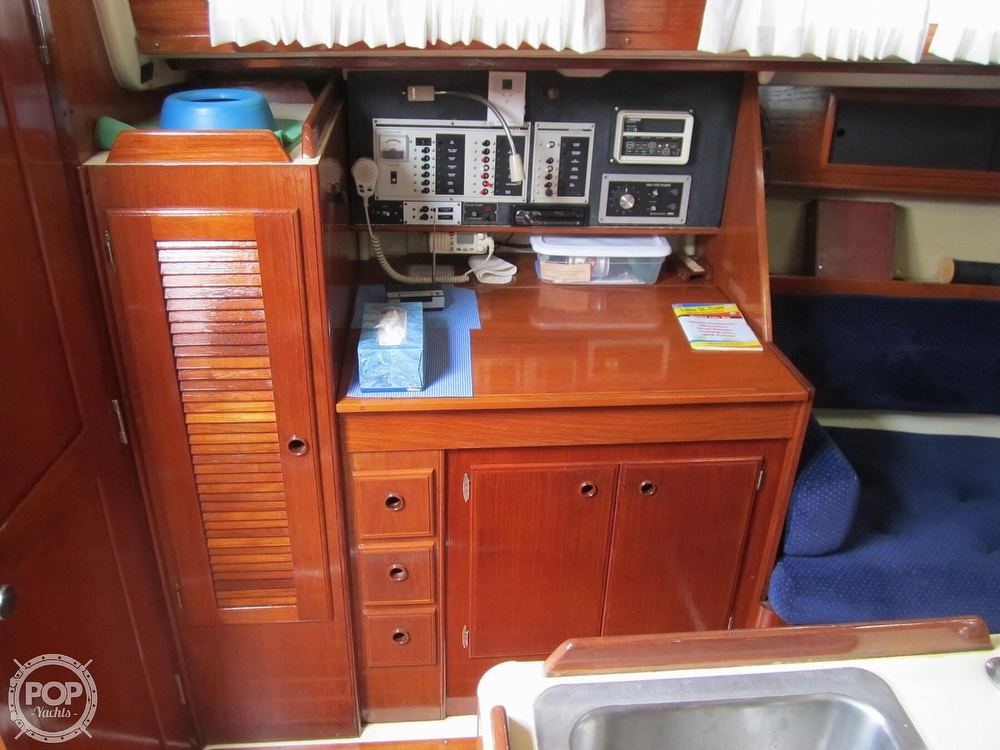 1986 Pearson boat for sale, model of the boat is 36-2 & Image # 5 of 40
