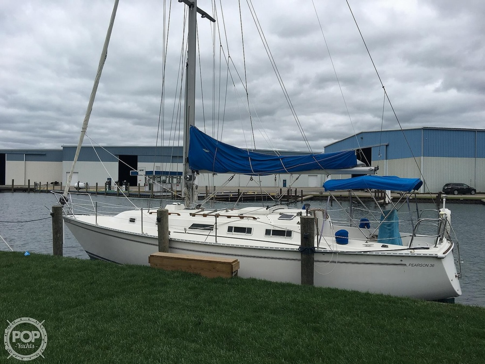 1986 Pearson boat for sale, model of the boat is 36-2 & Image # 13 of 40