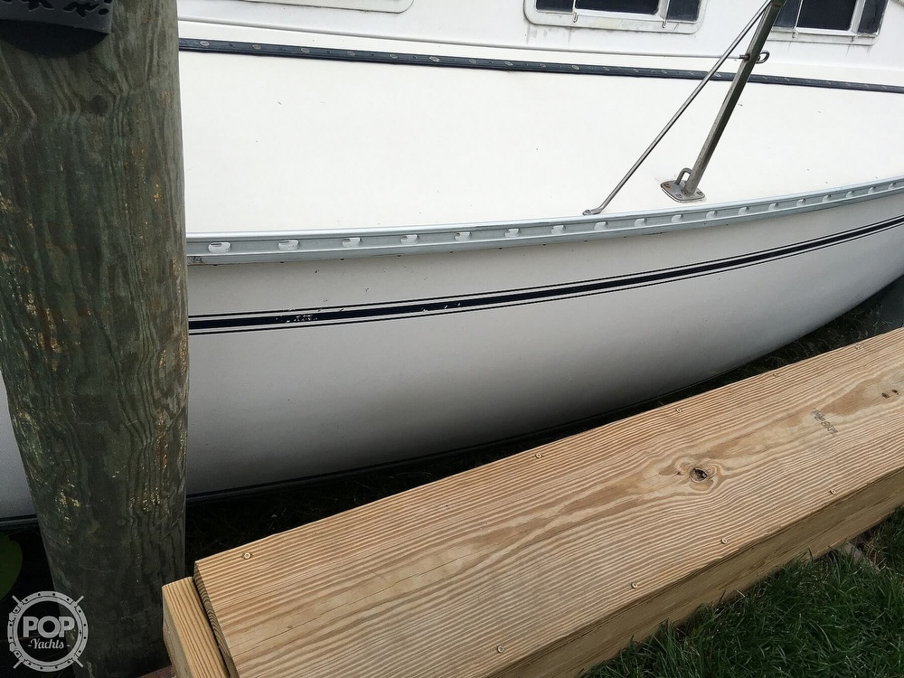 1986 Pearson boat for sale, model of the boat is 36-2 & Image # 22 of 40
