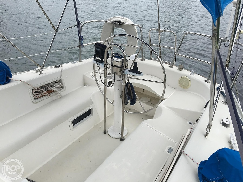 1986 Pearson boat for sale, model of the boat is 36-2 & Image # 25 of 40