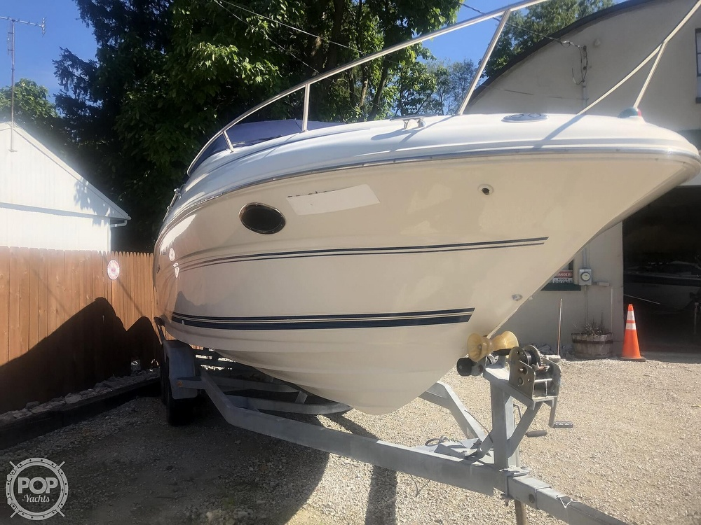 2001 Sea Ray boat for sale, model of the boat is Weekender 245 & Image # 2 of 40