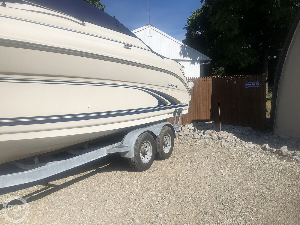 2001 Sea Ray boat for sale, model of the boat is Weekender 245 & Image # 5 of 40