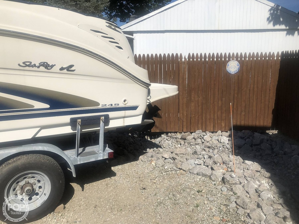 2001 Sea Ray boat for sale, model of the boat is Weekender 245 & Image # 7 of 40
