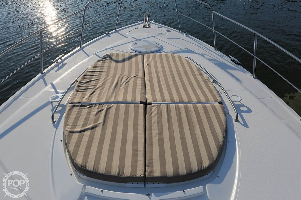 2009 Cruisers Yachts 520 Sports Coupe - image 2