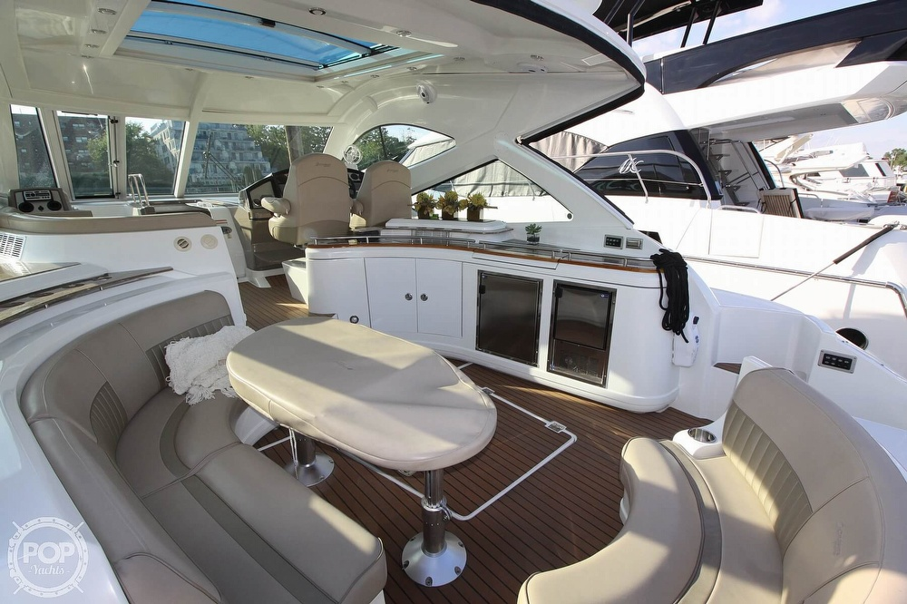 2009 Cruisers Yachts 520 Sports Coupe - image 13