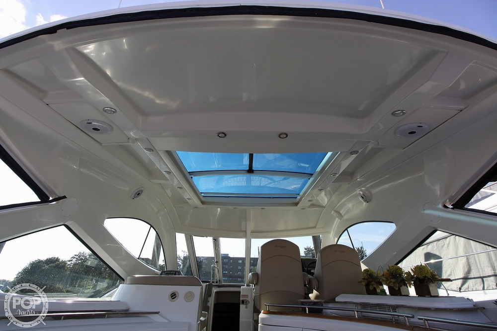 2009 Cruisers Yachts 520 Sports Coupe - image 24