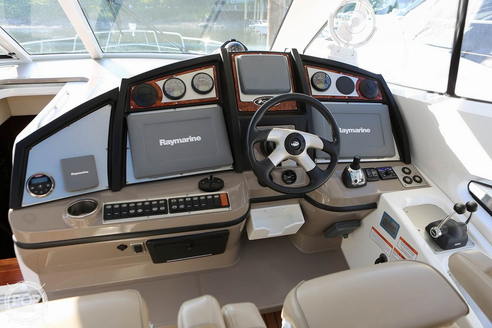 2009 Cruisers Yachts 520 Sports Coupe - image 31