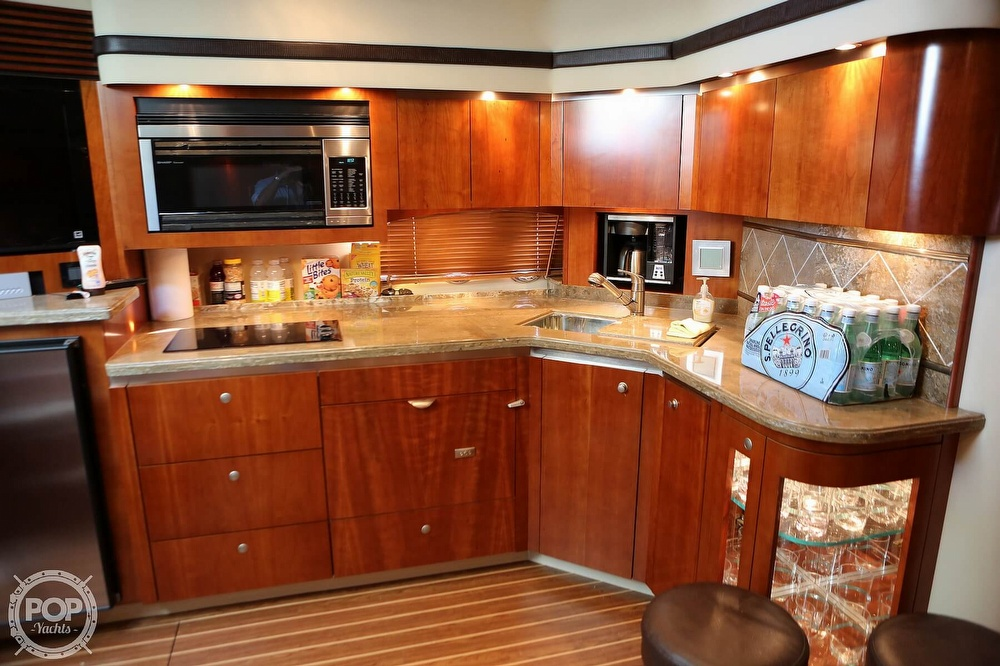 2009 Cruisers Yachts 520 Sports Coupe - image 32