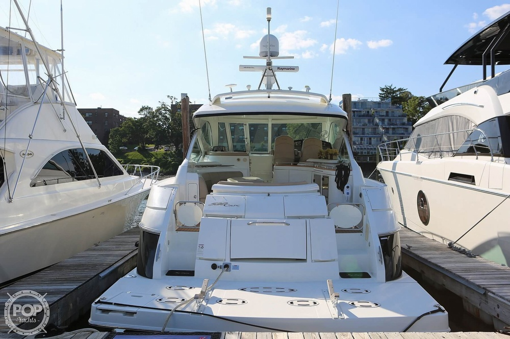 2009 Cruisers Yachts 520 Sports Coupe - image 9