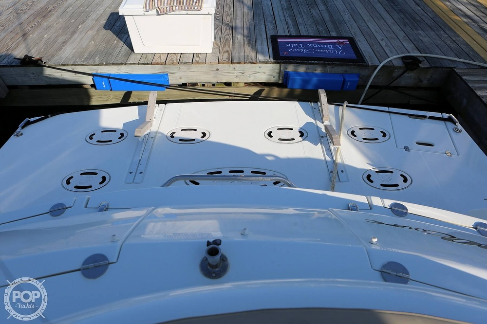 2009 Cruisers Yachts 520 Sports Coupe - image 12