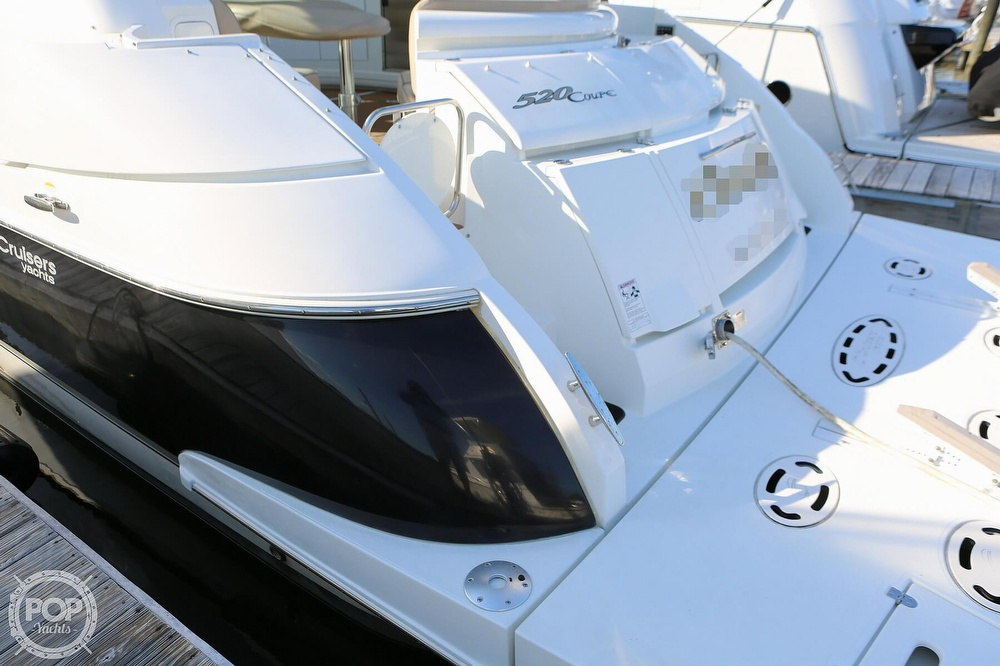 2009 Cruisers Yachts 520 Sports Coupe - image 14