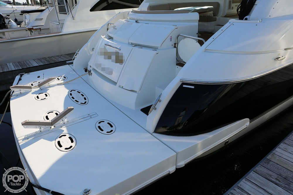 2009 Cruisers Yachts 520 Sports Coupe - image 15