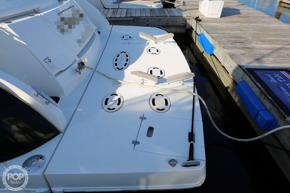 2009 Cruisers Yachts 520 Sports Coupe - image 16