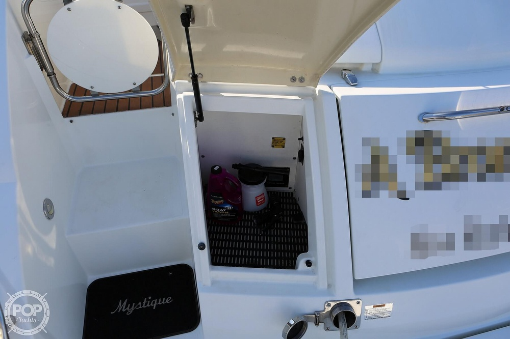 2009 Cruisers Yachts boat for sale, model of the boat is 520 Sports Coupe & Image # 37 of 40