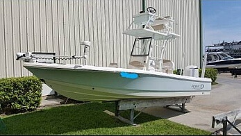 Robalo 246 Cayman Skydeck, 24', for sale - $105,600