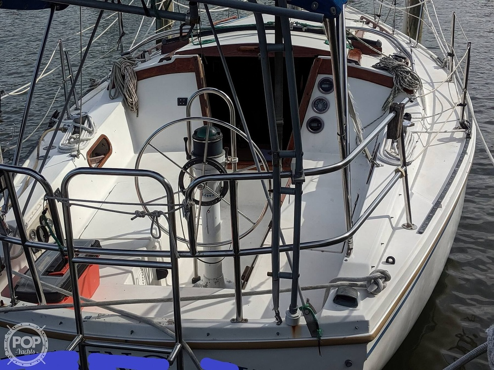 1984 Catalina Yachts boat for sale, model of the boat is 30 Tall Rig & Image # 3 of 40