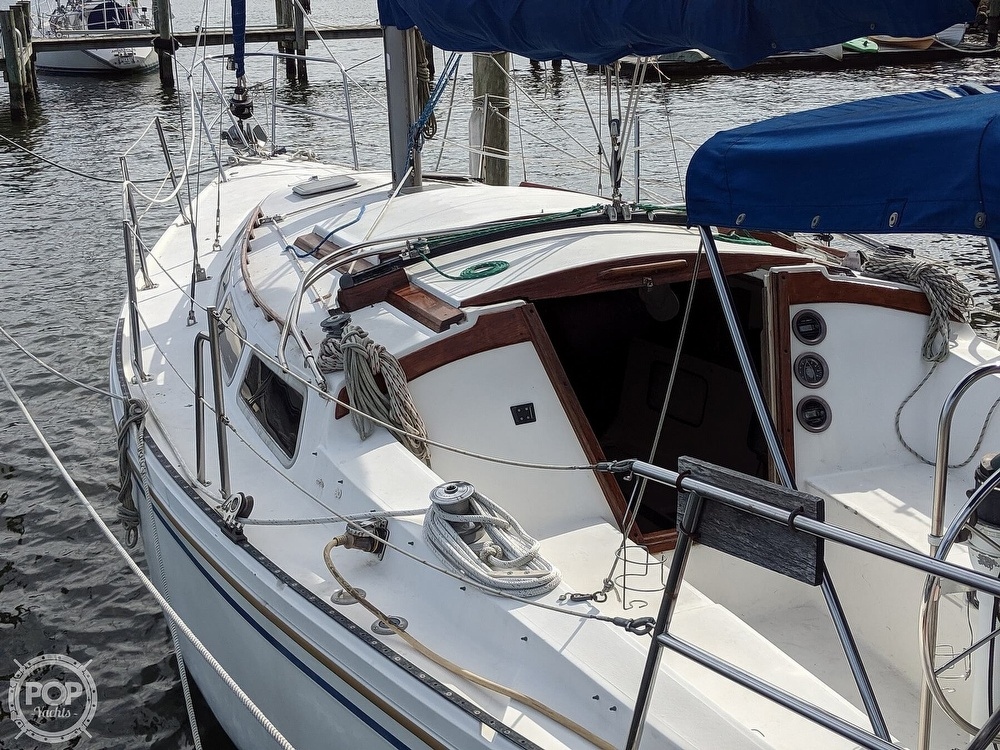 1984 Catalina Yachts boat for sale, model of the boat is 30 Tall Rig & Image # 6 of 40