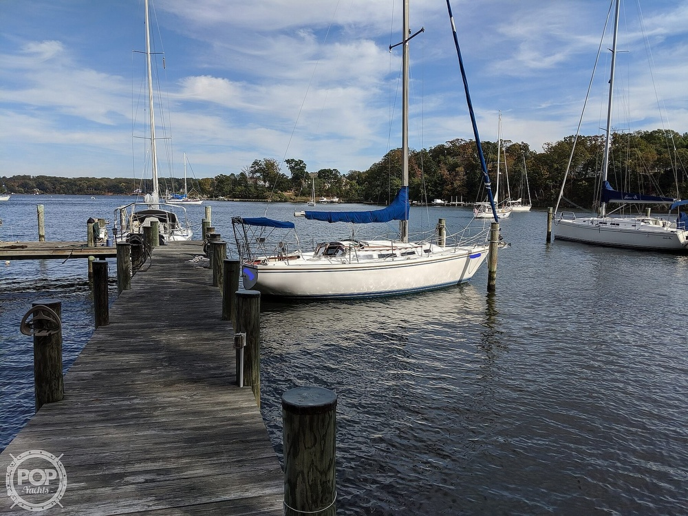 1984 Catalina Yachts boat for sale, model of the boat is 30 Tall Rig & Image # 13 of 40