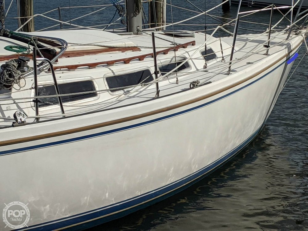 1984 Catalina Yachts boat for sale, model of the boat is 30 Tall Rig & Image # 17 of 40