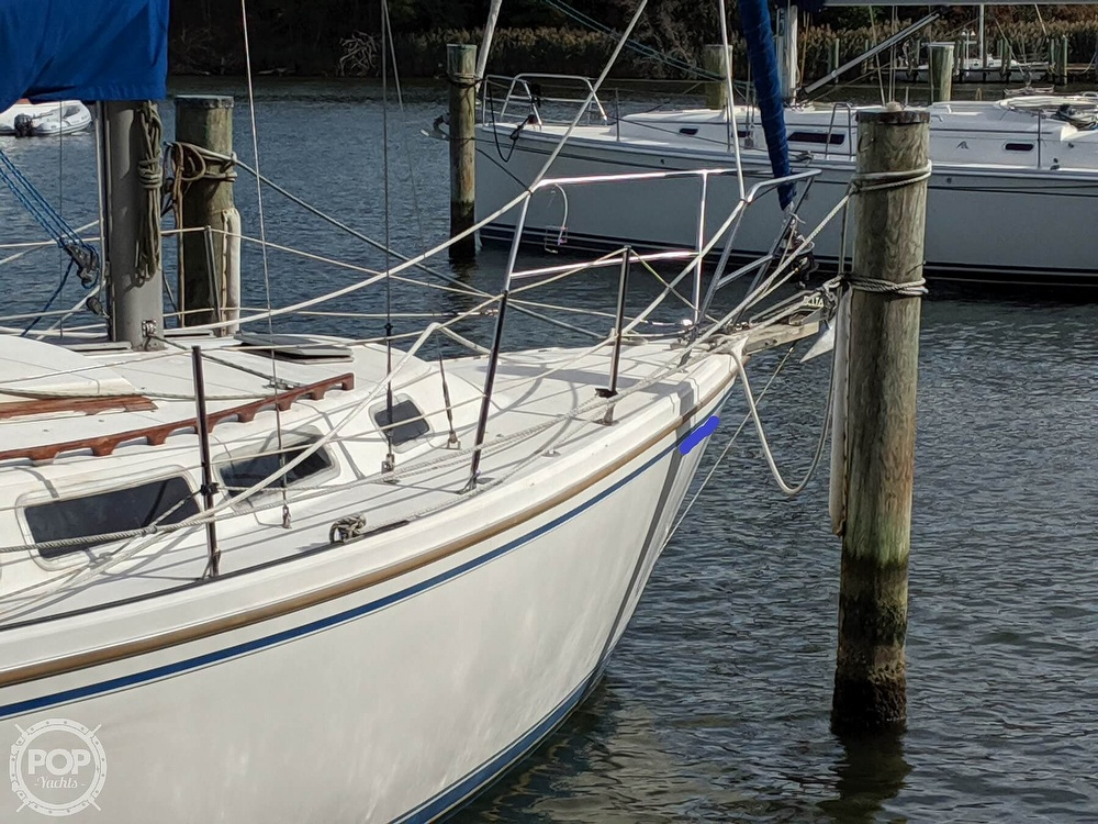 1984 Catalina Yachts boat for sale, model of the boat is 30 Tall Rig & Image # 18 of 40