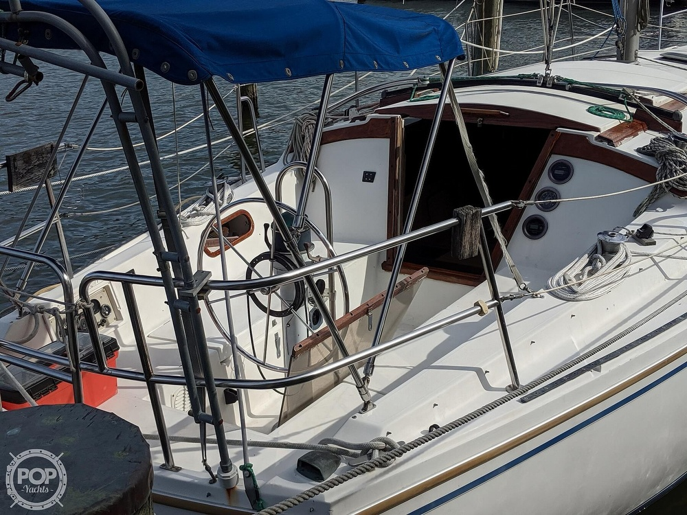 1984 Catalina Yachts boat for sale, model of the boat is 30 Tall Rig & Image # 19 of 40