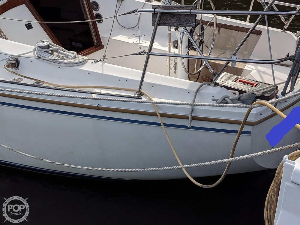 1984 Catalina Yachts boat for sale, model of the boat is 30 Tall Rig & Image # 28 of 40