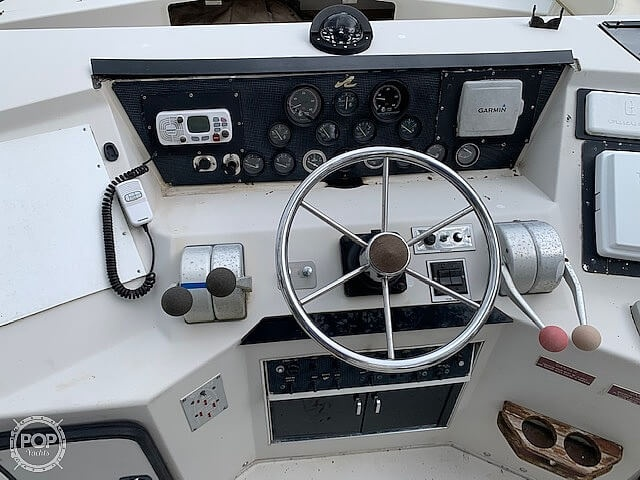 1988 Sea Ray boat for sale, model of the boat is 430 Convertible & Image # 28 of 40