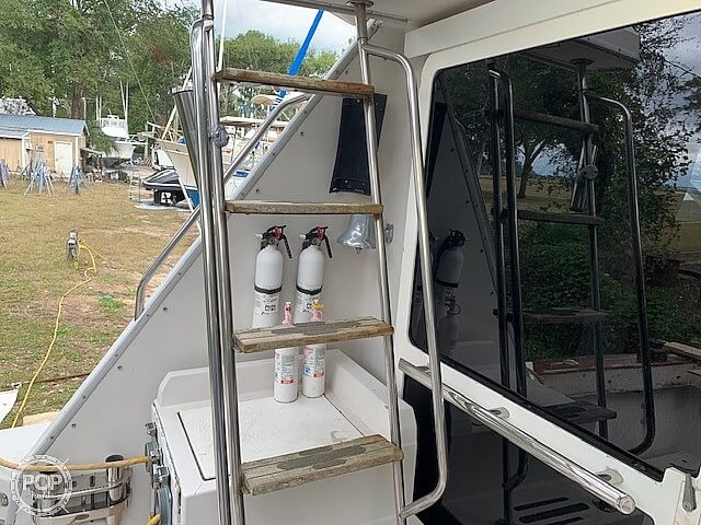 1988 Sea Ray boat for sale, model of the boat is 430 Convertible & Image # 15 of 40