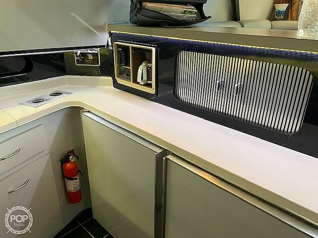 1988 Sea Ray boat for sale, model of the boat is 430 Convertible & Image # 23 of 40