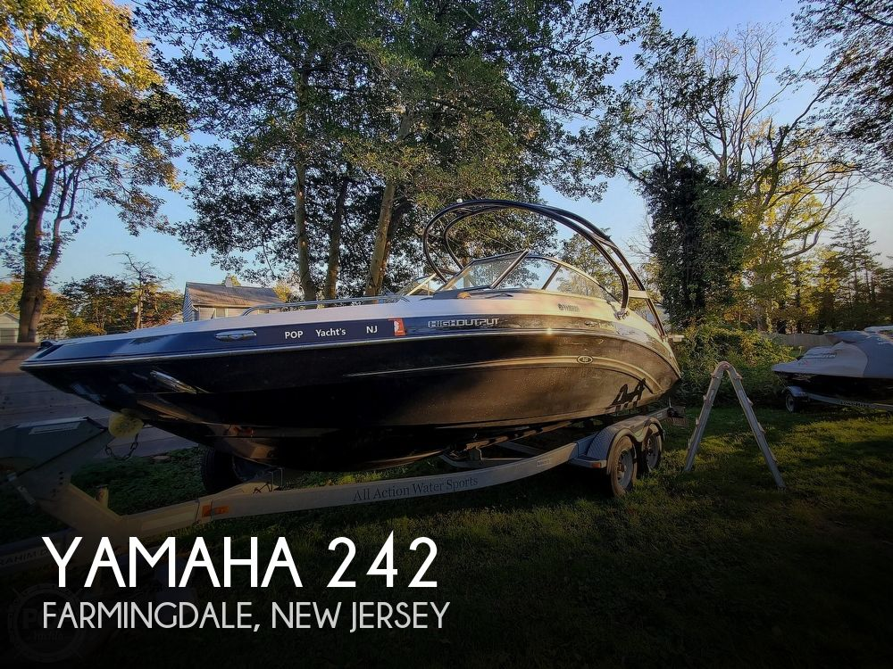 2013 Yamaha boat for sale, model of the boat is 242 Limited S & Image # 1 of 40