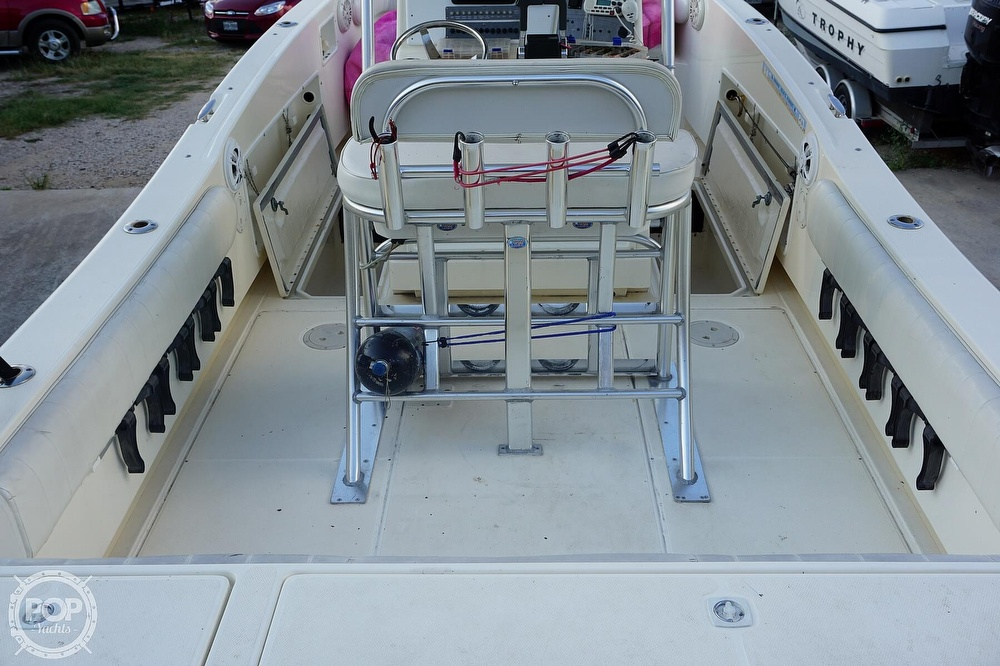 1999 World Cat boat for sale, model of the boat is 266SF & Image # 20 of 40