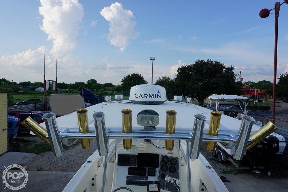 1999 World Cat boat for sale, model of the boat is 266SF & Image # 23 of 40