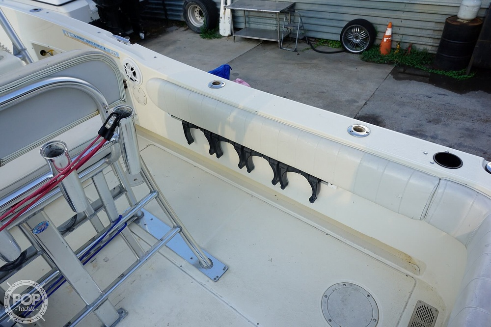 1999 World Cat boat for sale, model of the boat is 266SF & Image # 24 of 40