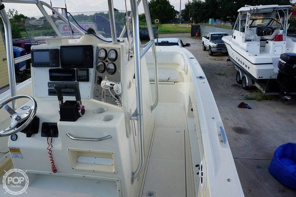 1999 World Cat boat for sale, model of the boat is 266SF & Image # 26 of 40