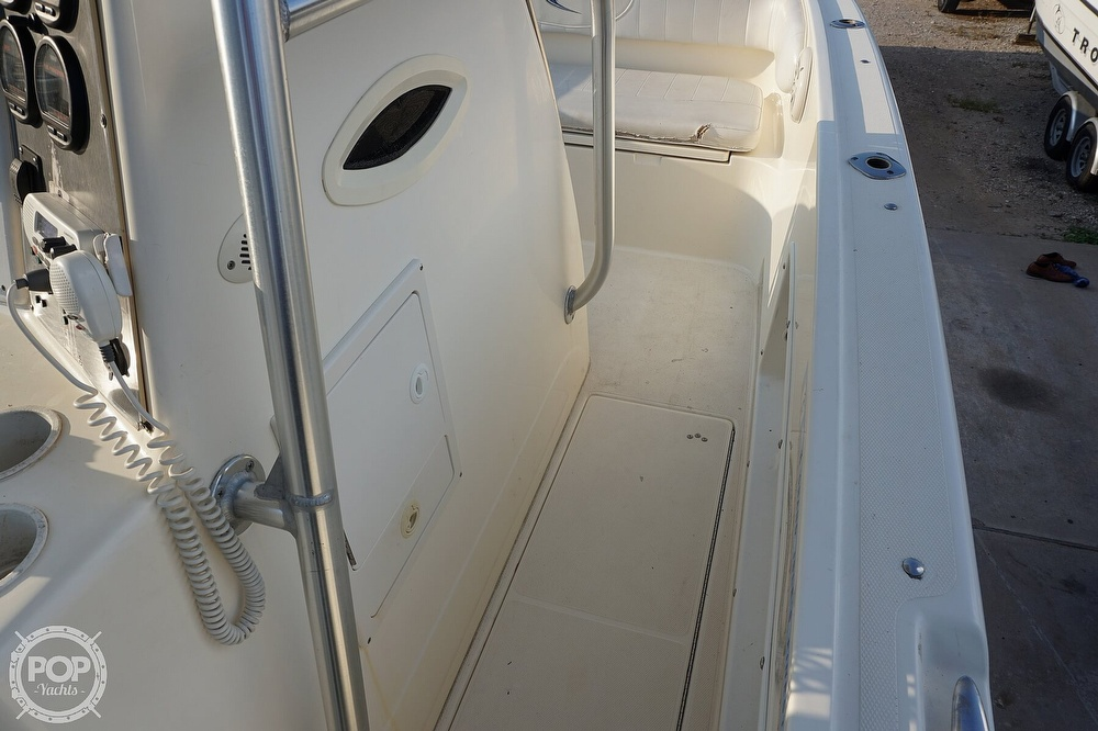 1999 World Cat boat for sale, model of the boat is 266SF & Image # 38 of 40