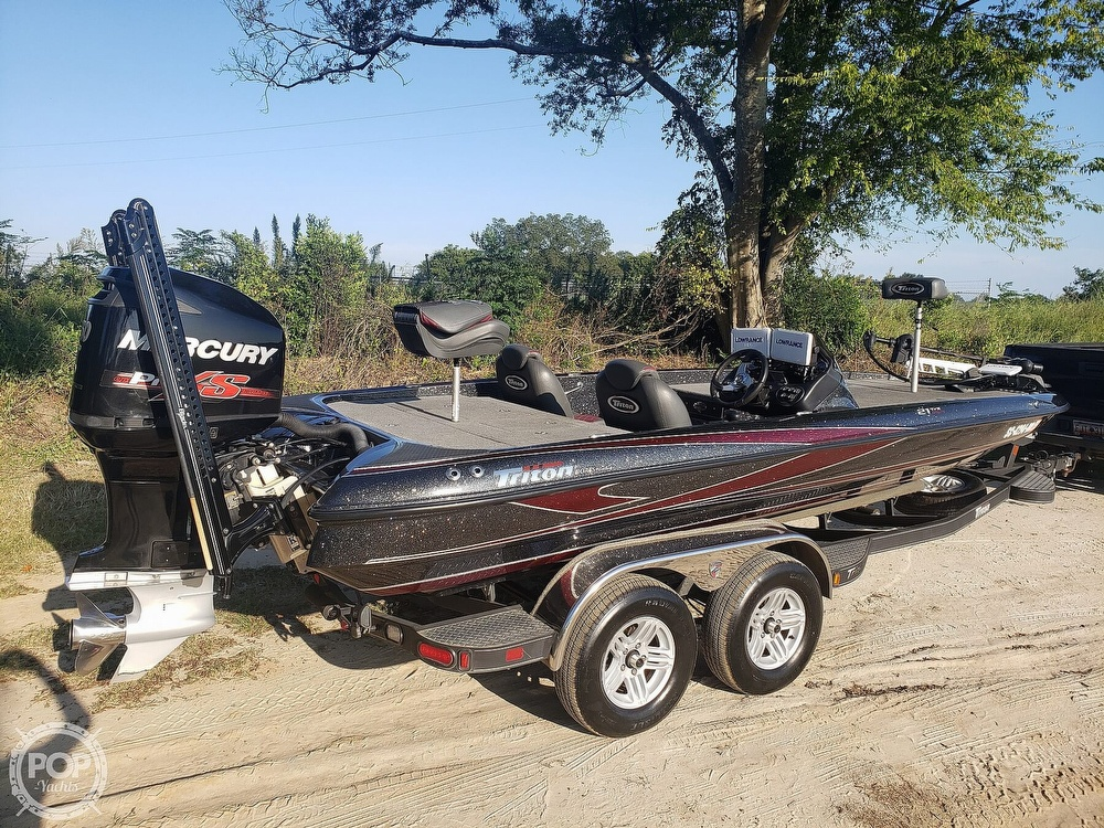 2016 Triton boat for sale, model of the boat is 21 TRX & Image # 3 of 40